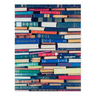 Cartão Postal Pilha de livros