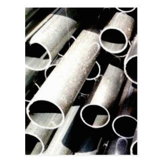 Cartão Postal pilha de tubos do metal