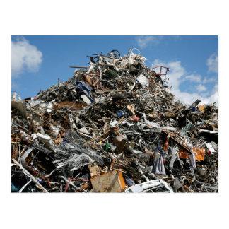 Cartão Postal Pilha do lixo na descarga