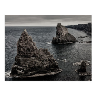 Cartão Postal Pilhas da rocha de Duncansby ao norte da paisagem