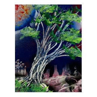 Cartão Postal Pintura da árvore com cidade azul e o sol