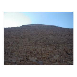 Cartão Postal Pirâmide imponente em Egipto
