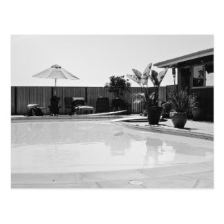 Cartão Postal Piscina temático, uma imagem preto e branco de um