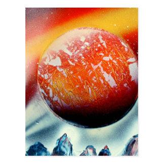 Cartão Postal Planeta vermelho sobre montanhas com backlighting