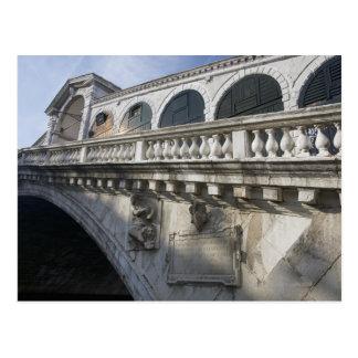 Cartão Postal Ponte de Rialto sobre o canal grande Veneza Italia