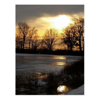 Cartão Postal Por do sol na neve do inverno