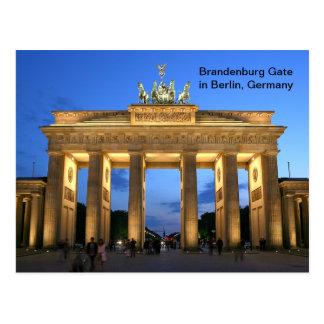 Cartão Postal Porta de Brandemburgo em Berlim, Alemanha na noite