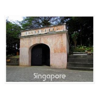 Cartão Postal porta de colocação em latas do forte