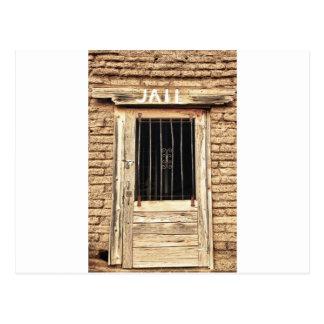 Cartão Postal Porta velha do Jailhouse em preto e branco