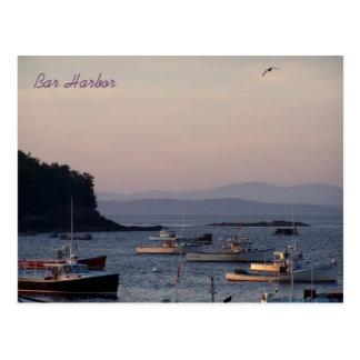 Cartão Postal Porto do bar no crepúsculo a uma véspera do verão