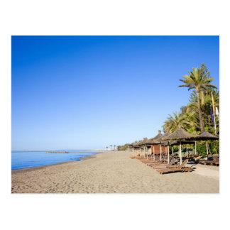 Cartão Postal Praia e mar de Marbella em Costa del Sol na