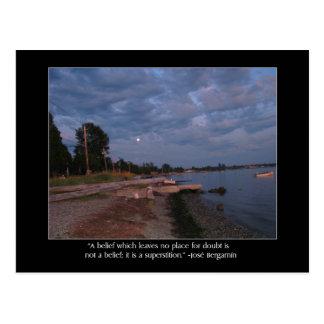 Cartão Postal Praia no crepúsculo e nas citações de Bergamin