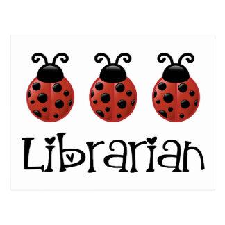 Cartão Postal Presente do bibliotecário do joaninha