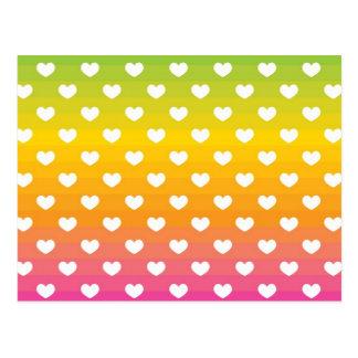 Cartão Postal Presentes coloridos do teste padrão dos corações
