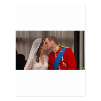 Cartão Postal Príncipe real William do beijo e princesa Kate