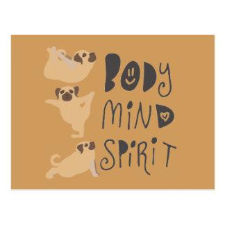 Cartão Postal Pugs da ioga