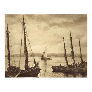 Cartão Postal Qualquer um para ostras!  Barcos de pesca