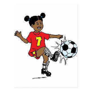 Cartão Postal Rapariga que joga o futebol