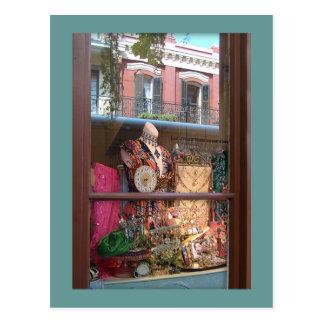 Cartão Postal Reflexão da janela do bairro francês