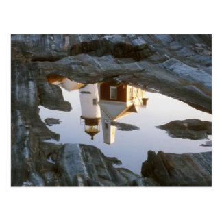 Cartão Postal Reflexão da piscina da maré do farol do ponto de