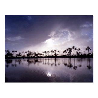 Cartão Postal Reflexões claras na lagoa