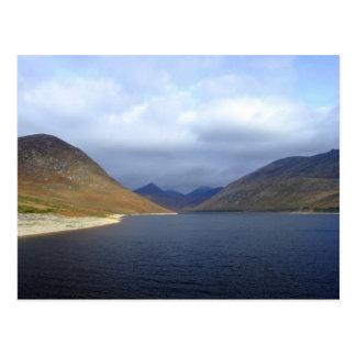 Cartão Postal Reservatório silencioso do vale - Irlanda do Norte