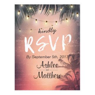Cartão Postal Resposta da palmeira RSVP das luzes da corda do