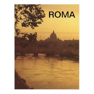 Cartão Postal Roma no por do sol, no rio Tibre e no St Peter