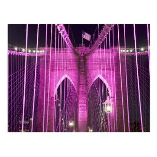 Cartão Postal Roxo do Lit da ponte de Brooklyn
