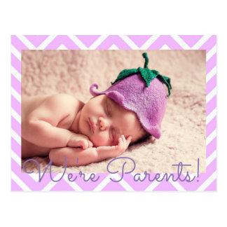 Cartão Postal Roxo nós somos anúncio do nascimento do bebê dos