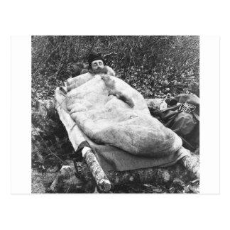 Cartão Postal Saco de sono da pele animal: 1888