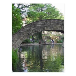 Cartão Postal San Antonio constrói uma ponte sobre Riverwalk