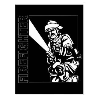 Cartão Postal Sapador-bombeiro em preto e branco
