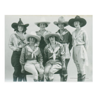 Cartão Postal Seis vaqueiras nos chapéus e nos sashes.