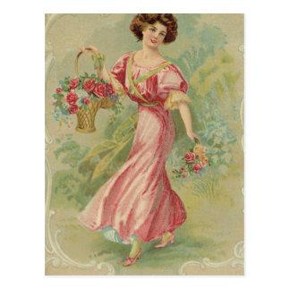 Cartão Postal Senhora na etiqueta do chá cor-de-rosa