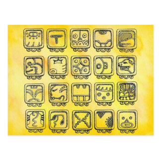 Cartão Postal Sinais astecas maias do dia no amarelo