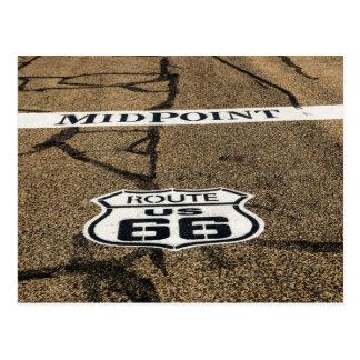 Cartão Postal Sinal da rota 66 do ponto médio - Adrian, Texas