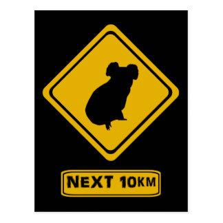 Cartão Postal sinal de estrada do koala