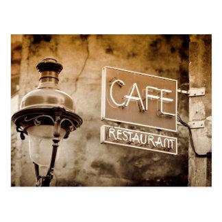 Cartão Postal Sinal do café do Sepia, Paris, France