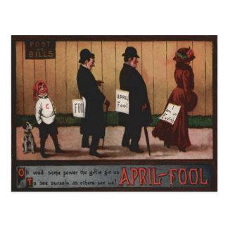 Cartão Postal Sinal do dia do enganado do vintage no cão