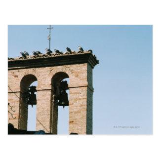 Cartão Postal Sinos de igreja antiquados, Assisi, Italia