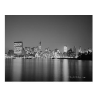 Cartão Postal Skyline da cidade na noite