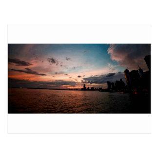 Cartão Postal Skyline da Nova Iorque no por do sol