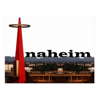 Cartão Postal Skyline de Anaheim CA com o Anaheim no céu
