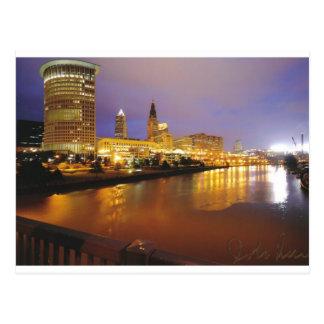 Cartão Postal Skyline de Cleveland na noite