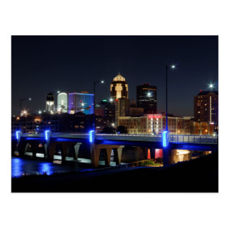 Cartão Postal Skyline de Des Moines com tributo de Orlando