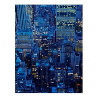 Cartão Postal Skyline de NYC, opinião de ângulo alto no