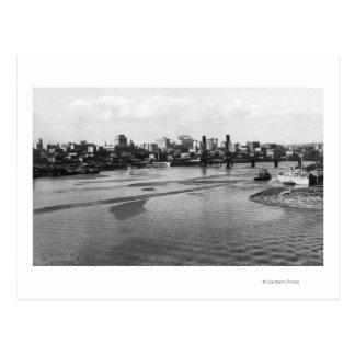 Cartão Postal Skyline de Portland, Oregon do rio de Willamette