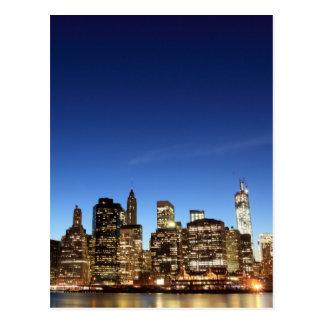 Cartão Postal Skyline em luzes da noite, Nova Iorque de