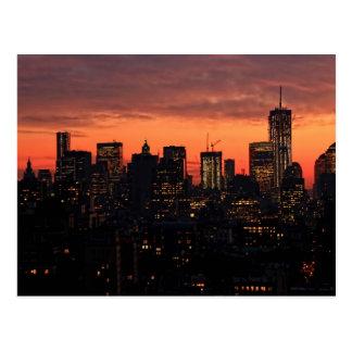Cartão Postal Skyline no crepúsculo, céu cor-de-rosa A1 do Lower